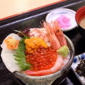 【お部屋で朝食】提携店舗紹介:函館朝市「すずや食堂」