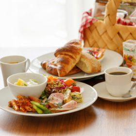 【お部屋で朝食】提携店舗紹介:「Café&Deli MARUSEN」