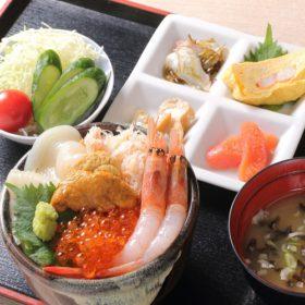 【夏SALE】朝食はお部屋へお運び致します!海鮮定食(朝食付)